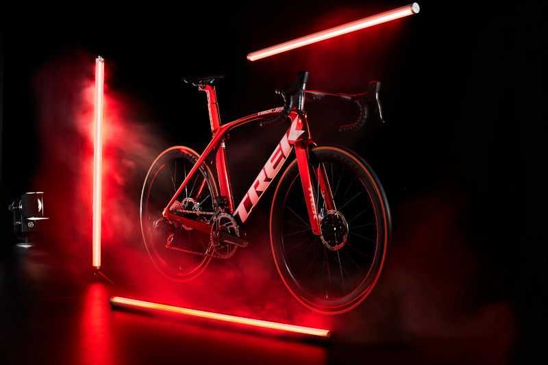Madone_Red_Chrome_DS_Front