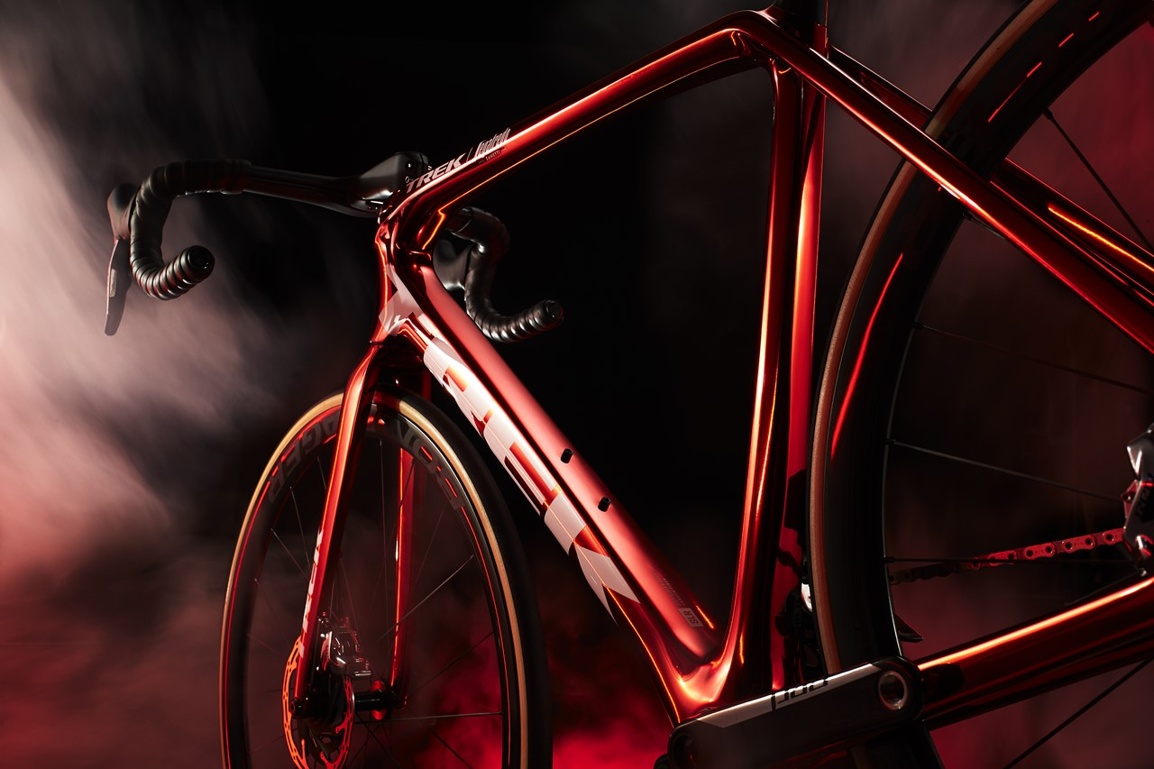 s-Emonda_Red_Chrome_NDS_Low